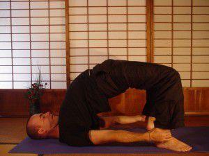chữa xuất tinh sớm bằng yoga